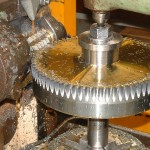 roue dentée en cours de taillage