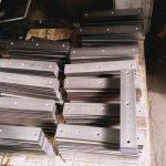 Clame pour lisse haute sécurité acier 69 15 410 fraisé sur centre d'usinage + zinguage blanc 15 µ suivant plan LIS0036