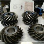 Couples de pignon spiro conique acier 16NC6 18 18 dts M8 tourné taillé trempé rectifié cylindrique rodage denture 81855