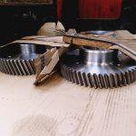 Pignon Hélicoïdale 58 Dts M 5 acier 42 CD 4 T D 370/98 poids 26.3 Kg taillé hélicoïdale sur grosse tailleuse nitruré suivant plan 01 CT 0019-158
