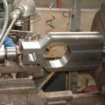 tournage d une vanne opercule pour industrie pétrolière