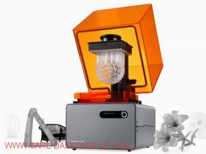 Imprimante 3D SLA en cours d'impression
