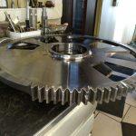 Engrenage CREMA 109 dts acier 42 CD 4 T D 671 AL 160/88 Réaliser un croquis d'atelier manipulé au palan tourné taillé fraisé sur centre d'usinage avec orientation angulaire de la denture par rapport à un trou taraudé ébavurage + gravure au modèle D16-8515 26337/01
