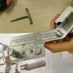 création d'une machine à coulée le plomb pour industrie textile intissé type Maliwatt Machine à coulé le plomb sur des aiguille pour intissé aiguitteuse